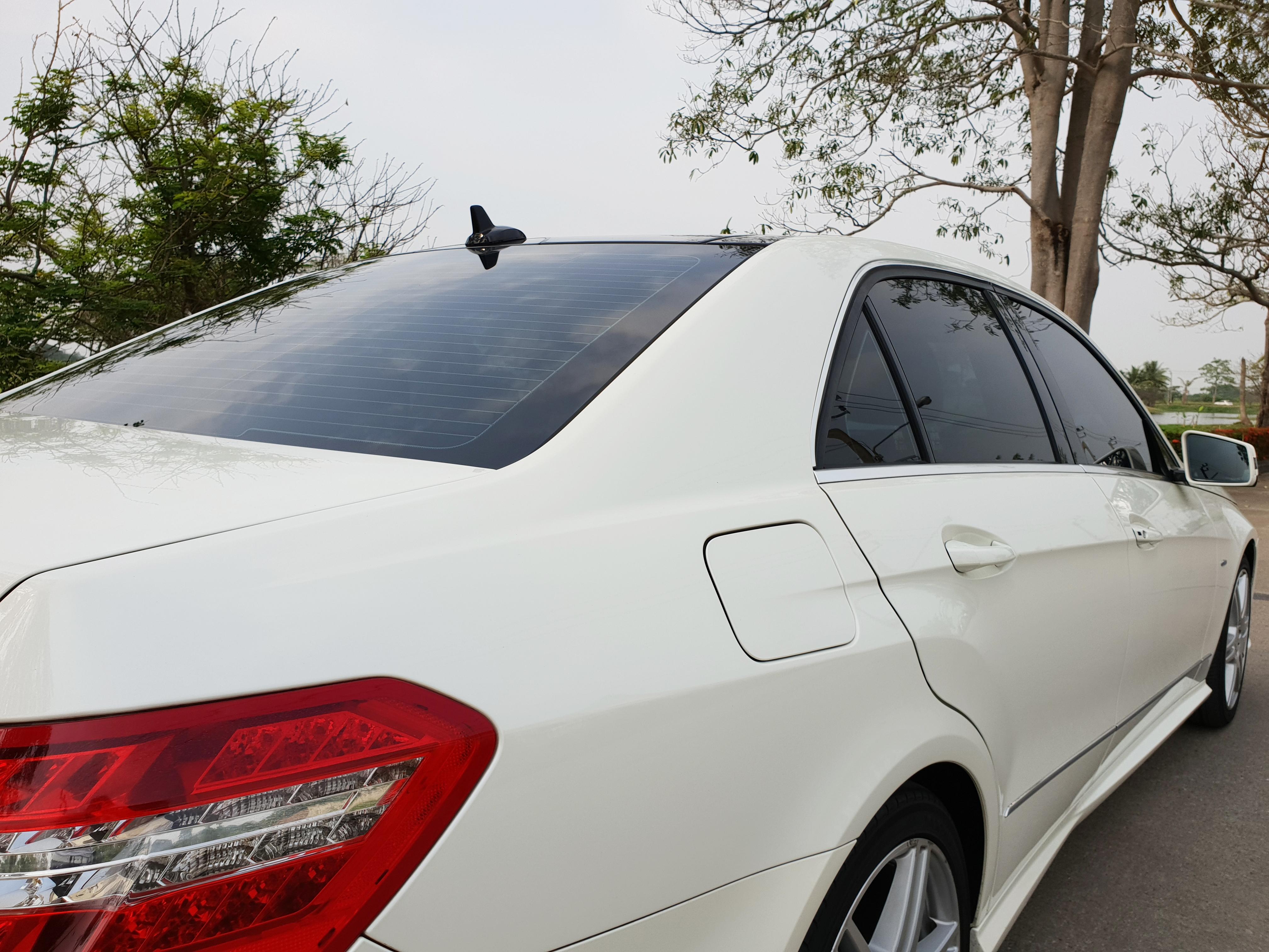 Benz E Class with Kontrast